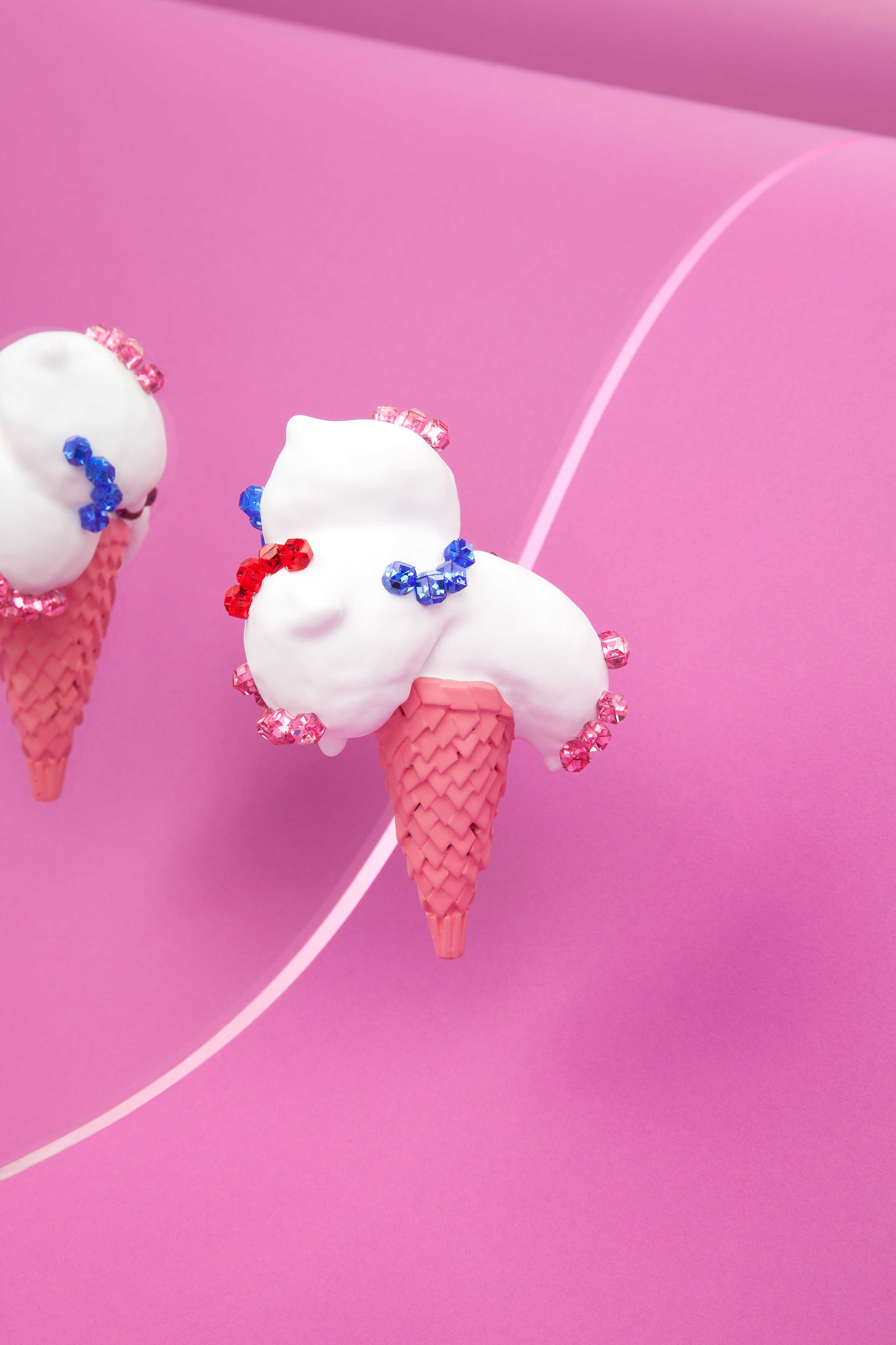 white ice cream brooch with crystals
