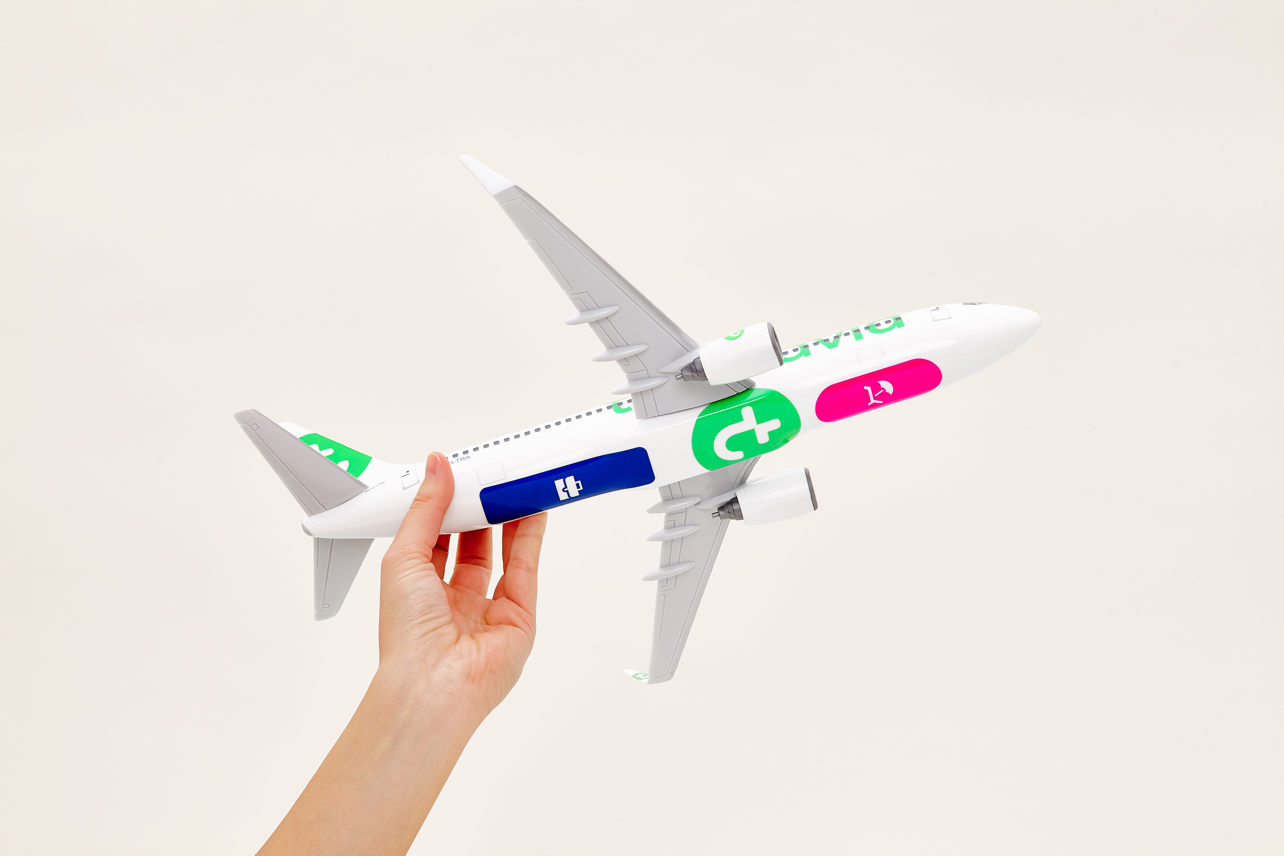 Transavia scale model boeing 737 belly