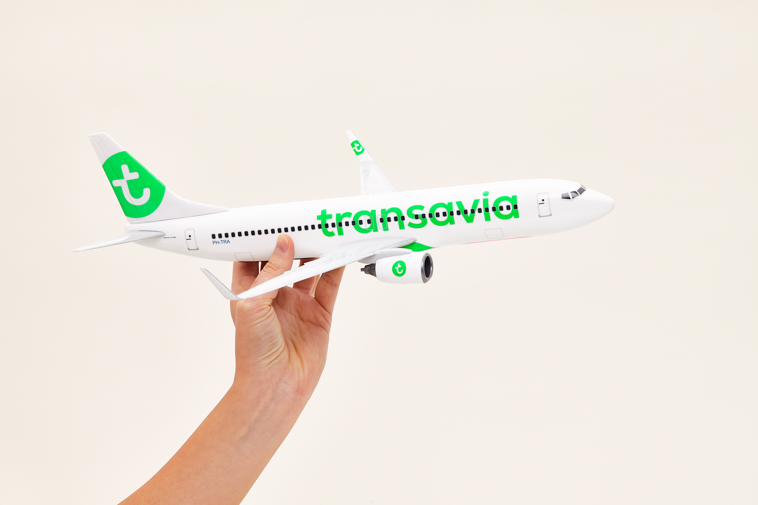 Transavia scale model Boeing 737 hand flying